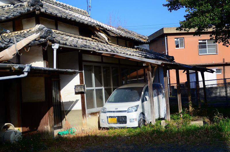 あばら家の軒下の新車: HikoさんのジャンクBOX